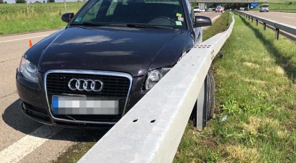 Münchwilen TG: Bei Unfall auf der A1 in Leitplanke geprallt