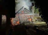 Mumpf AG: Gartenschopf gerät in Brand