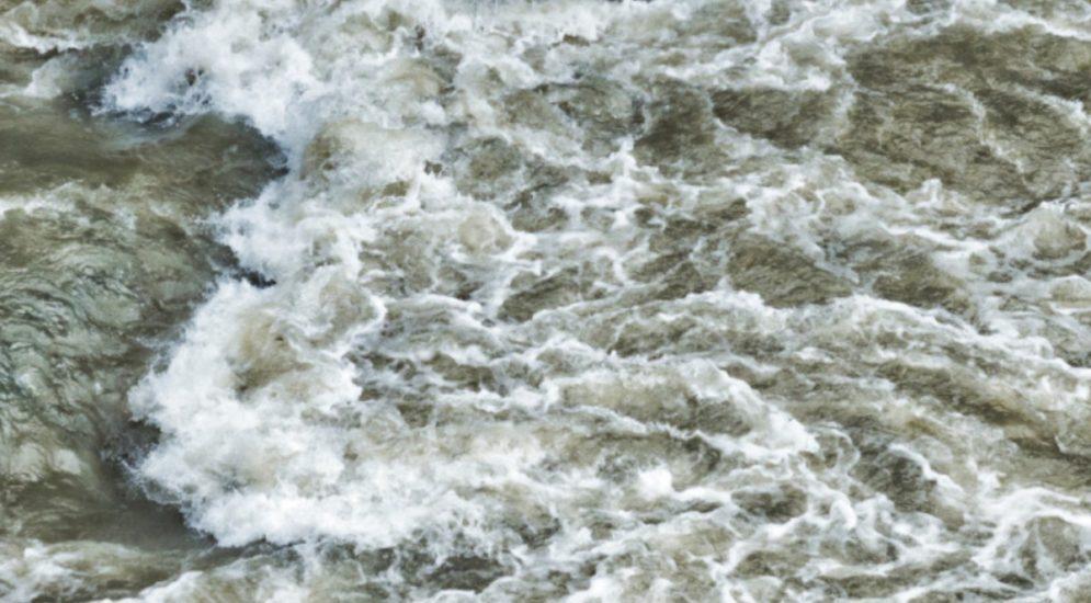 Hochwasser Solothurn SO - Halten Sie sich von Uferwegen fern