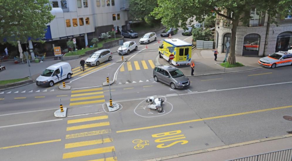 St. Gallen: Motorradfahrerin wird übersehen und verletzt sich bei Sturz