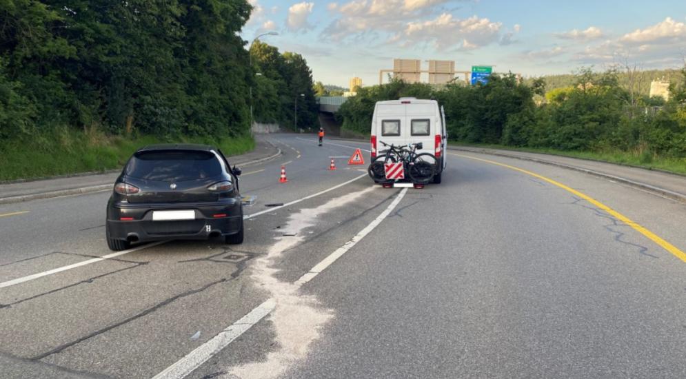 Schaffhausen: Unfall zwischen Wohnmobil und Auto beim Überholen