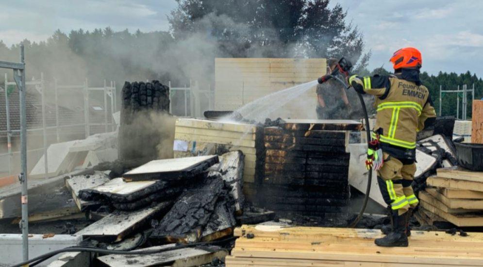 Emmenbrücke LU - Dachisolationsplatten durch Schweissarbeiten in Brand geraten