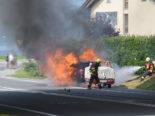A2 Buochs: Fahrzeug gerät auf der Autobahn in Brand