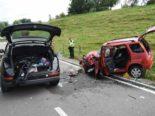 Unfall Lütisburg: 21-jährige Frau in Auto eingeklemmt und schwer verletzt