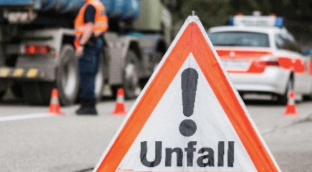 Guttannen BE: Motorrad und Auto bei Unfall frontal kollidiert