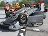 N3 Walenstadt SG: Auto überschlägt sich bei Unfall und landet auf Dach