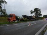 Widnau SG: LKW bleibt nach Unfall auf A13 im Grünstreifen stecken