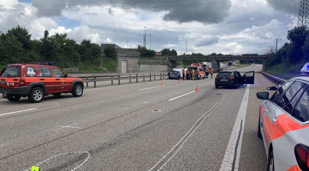 Unfall auf A2 bei Egerkingen SO fordert Toter und vier Verletzte