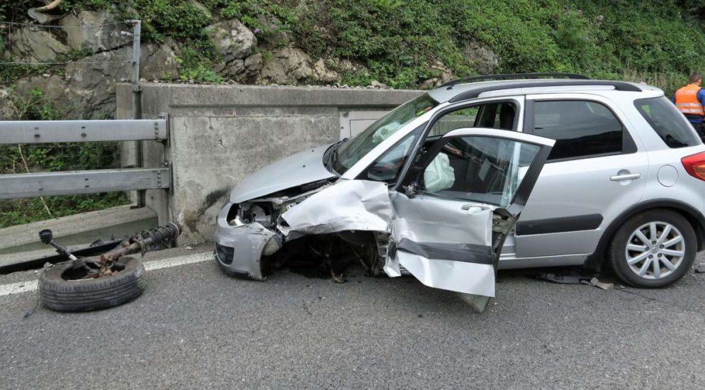 Mühlehorn GL: Lenkerin baut Unfall auf der A3