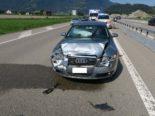 Mollis GL: Unfall zwischen drei PWs auf der Autobahn A3