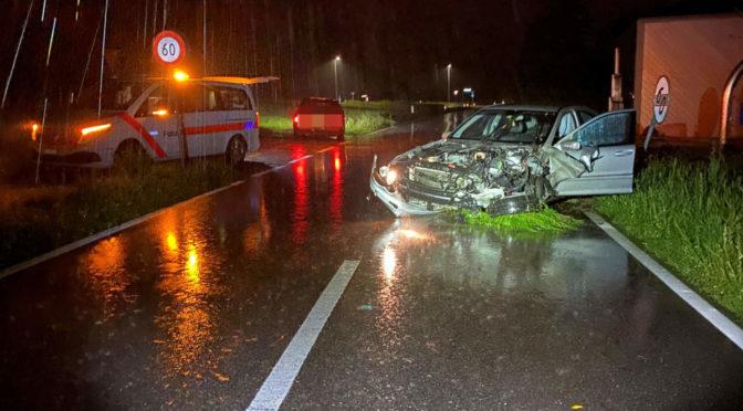 Unfall Amriswil TG: Autofahrer (20) verliert bei Beschleunigungsmanöver die Kontrolle
