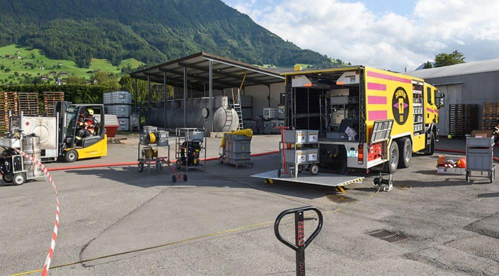 Buochs NW: Brand während Abfüllarbeiten in Industriebetrieb