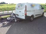 Unfall A1 bei Niederwil SG: Motorradfahrer kracht in Lieferwagen