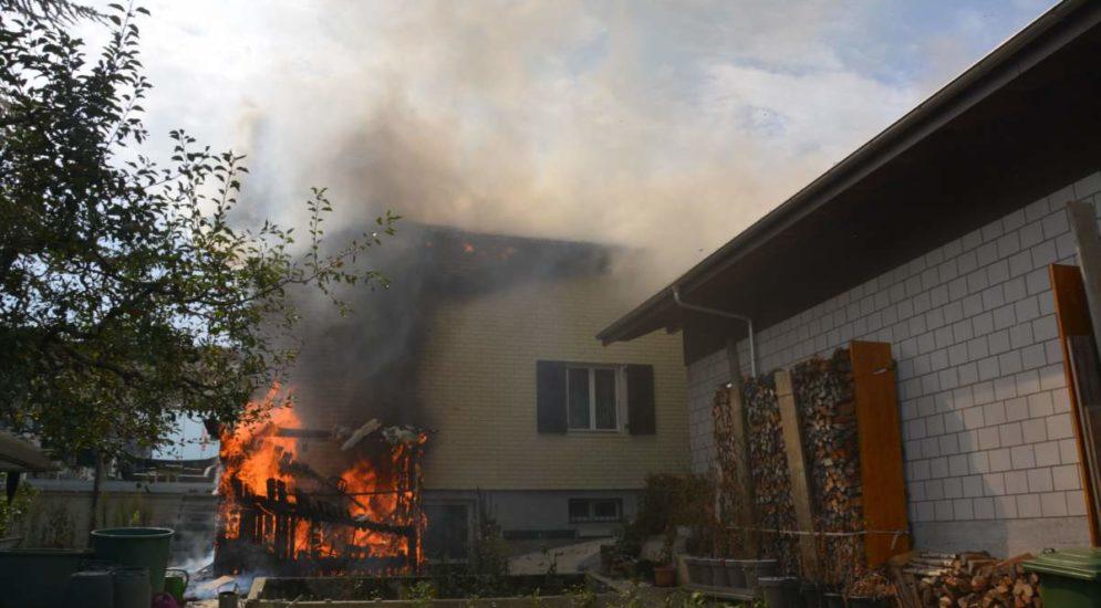 Hägendorf: Holzschopf und Einfamilienhaus in Brand geraten