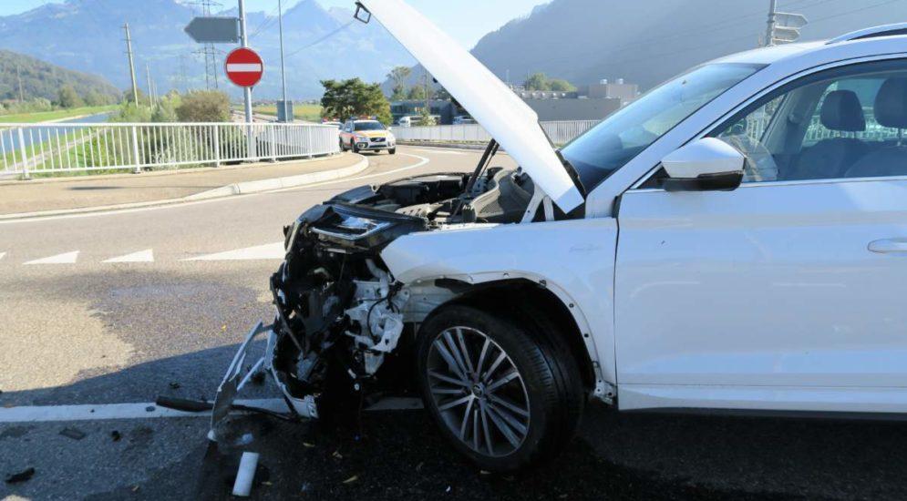 Unfall A3, Bilten GL: Lenker übersieht vortrittsberechtigtes Auto