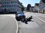 Heiden AR: Lenker fährt bei Unfall in Motorrad - Fahrer stürzt