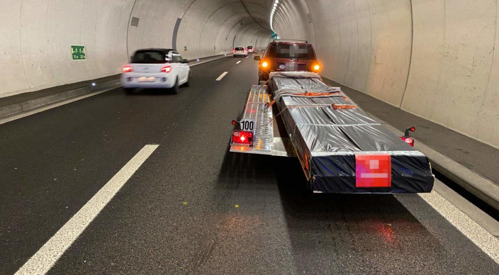Unfall A7, Tägerwilen TG - Auto in Tunnelwand geprallt