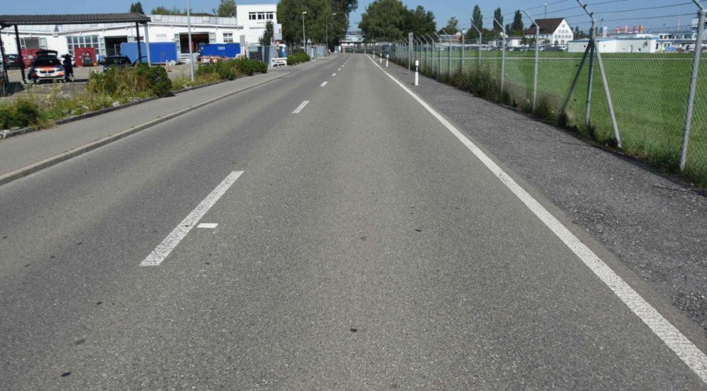 Altenrhein: Velofahrer bei Unfall auf Windschutzscheibe geschleudert