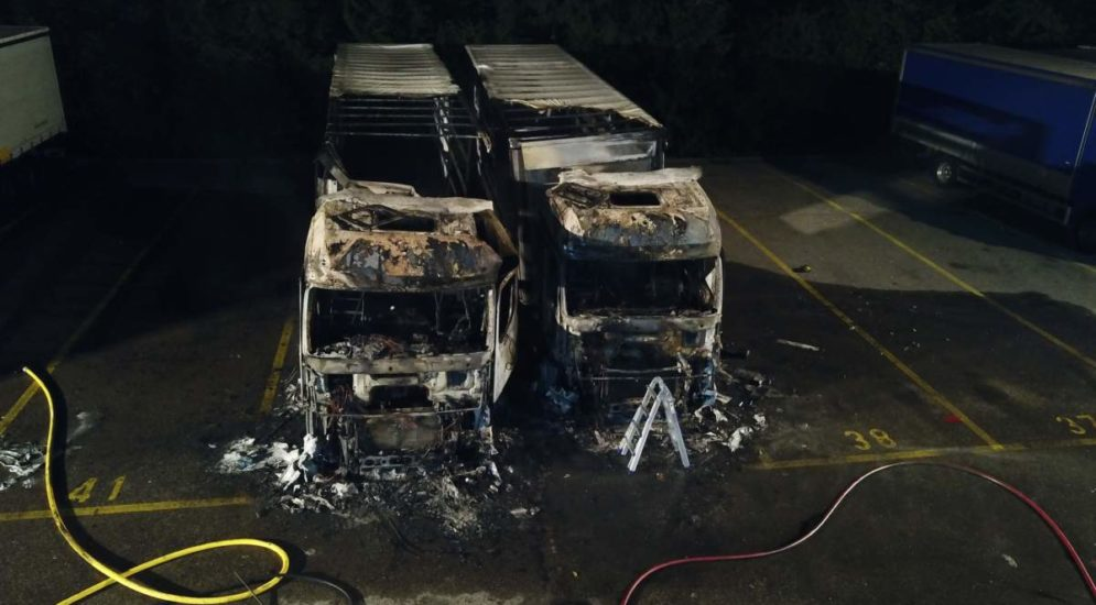 Dietikon ZH: Zwei LKW auf Firmengelände ausgebrannt