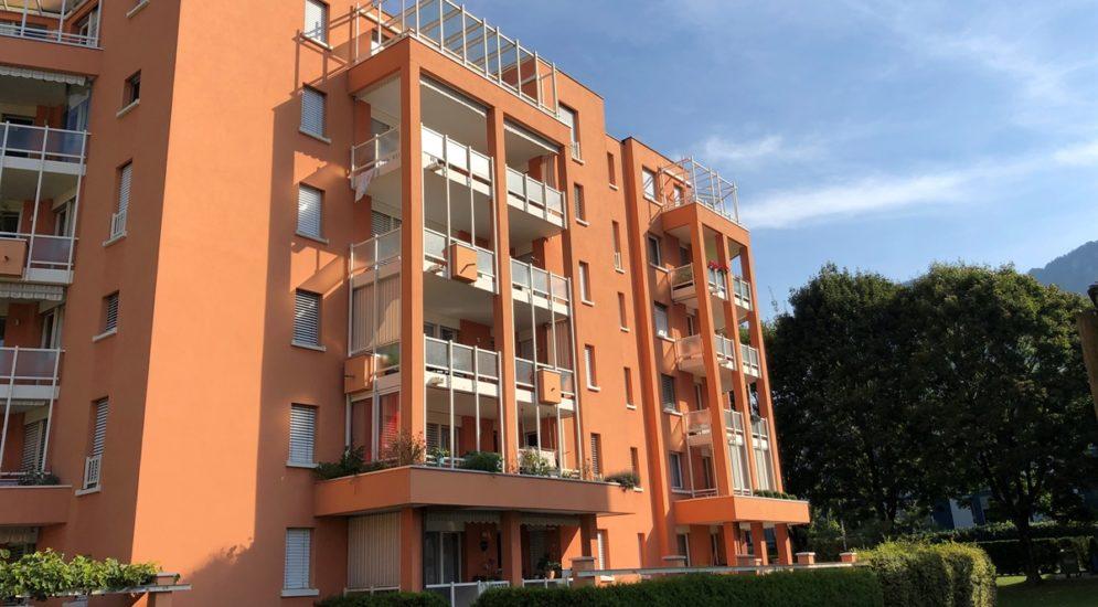 Tragödie in Igis GR - Knabe (6) stürzt vom Balkon