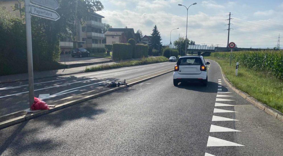 Cham ZG: E-Bikefahrerin bei Unfall erheblich verletzt
