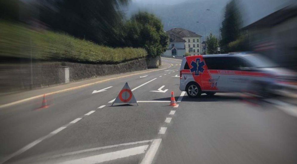 Unfall zwischen Lauerz und Seewen: Strasse gesperrt