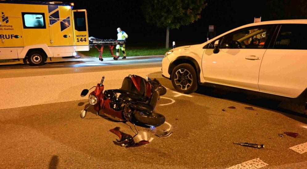 Züberwangen SG - Unfall: Autofahrerin übersieht Motorradlenker (18)