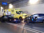Granges-Paccot FR: Unfall zwischen zwei Autos im Tunnel