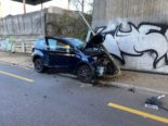 Schwerer Unfall Birsfelden BL: Fahrer verletzt geborgen