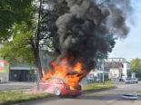 Frauenfeld TG - Unfall: Lenkerin kracht in parkierte Fahrzeuge