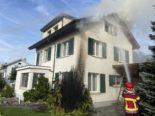 Schöftland AG: Brand einer Thujapflanze greift auf Haus über