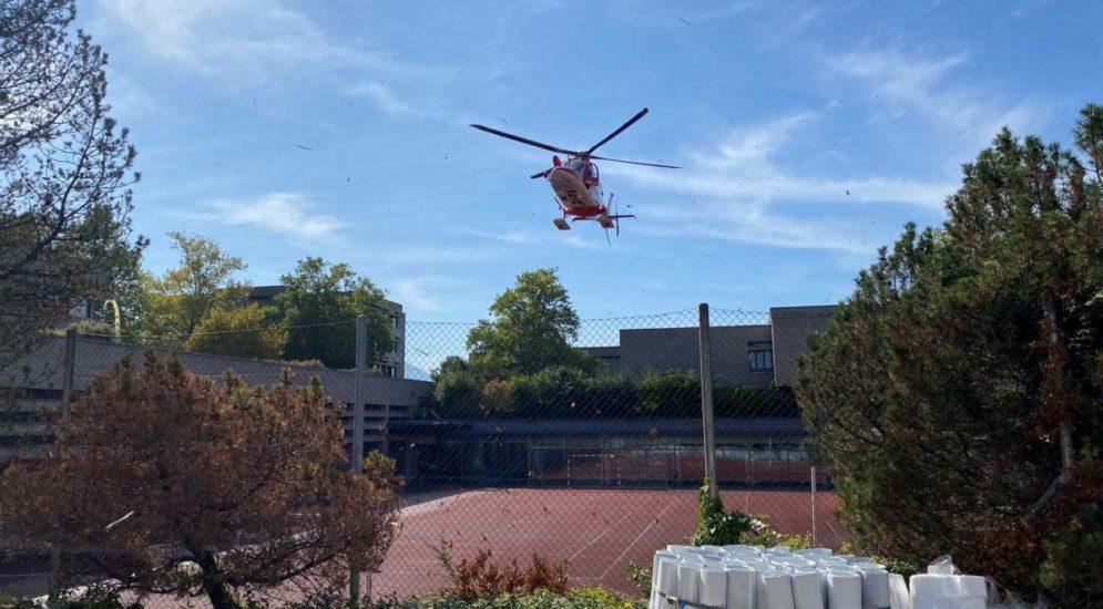 Zug: E-Bike-Fahrerin nach Unfall lebensbedrohlich verletzt