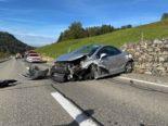 Neuheim ZG: Autolenkerinnen nach schwerem Unfall erheblich verletzt