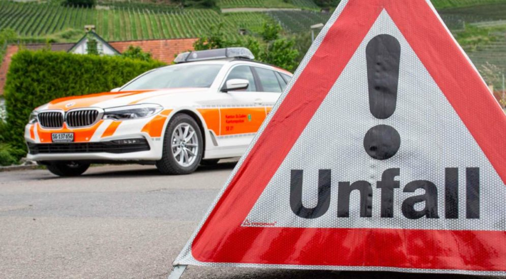 Unfall St.Margrethen SG: 23-Jährige auf die Motorhaube geschleudert