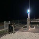 Bahnhof Glarus GL: Abfalleimer entzündet und Schilder beschädigt