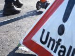 Rüegsbach BE: Auto landet bei Unfall im Bach