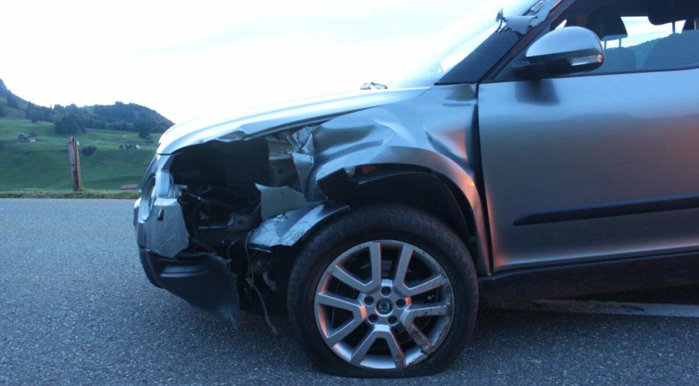 Weissbad AI: Autolenker gerät betrunken auf Gegenfahrbahn und baut Unfall