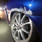 Unfall Elm GL: Fahrer (19) prallt gegen Stützmauer