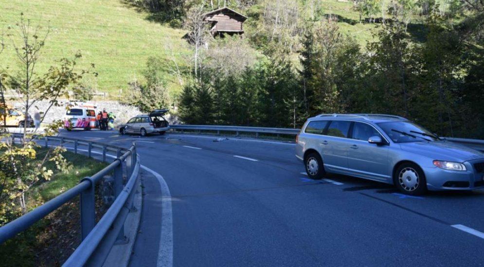 St. Peter GR: Fünf Personen (darunter ein Kleinkind) nach Unfall verletzt